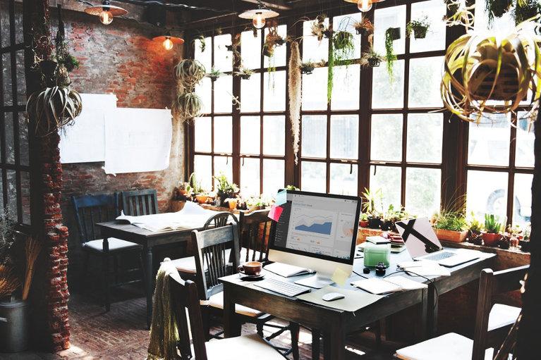 Second-hand office desks